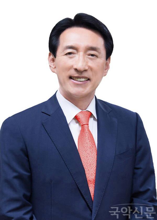 김석기1.jpg